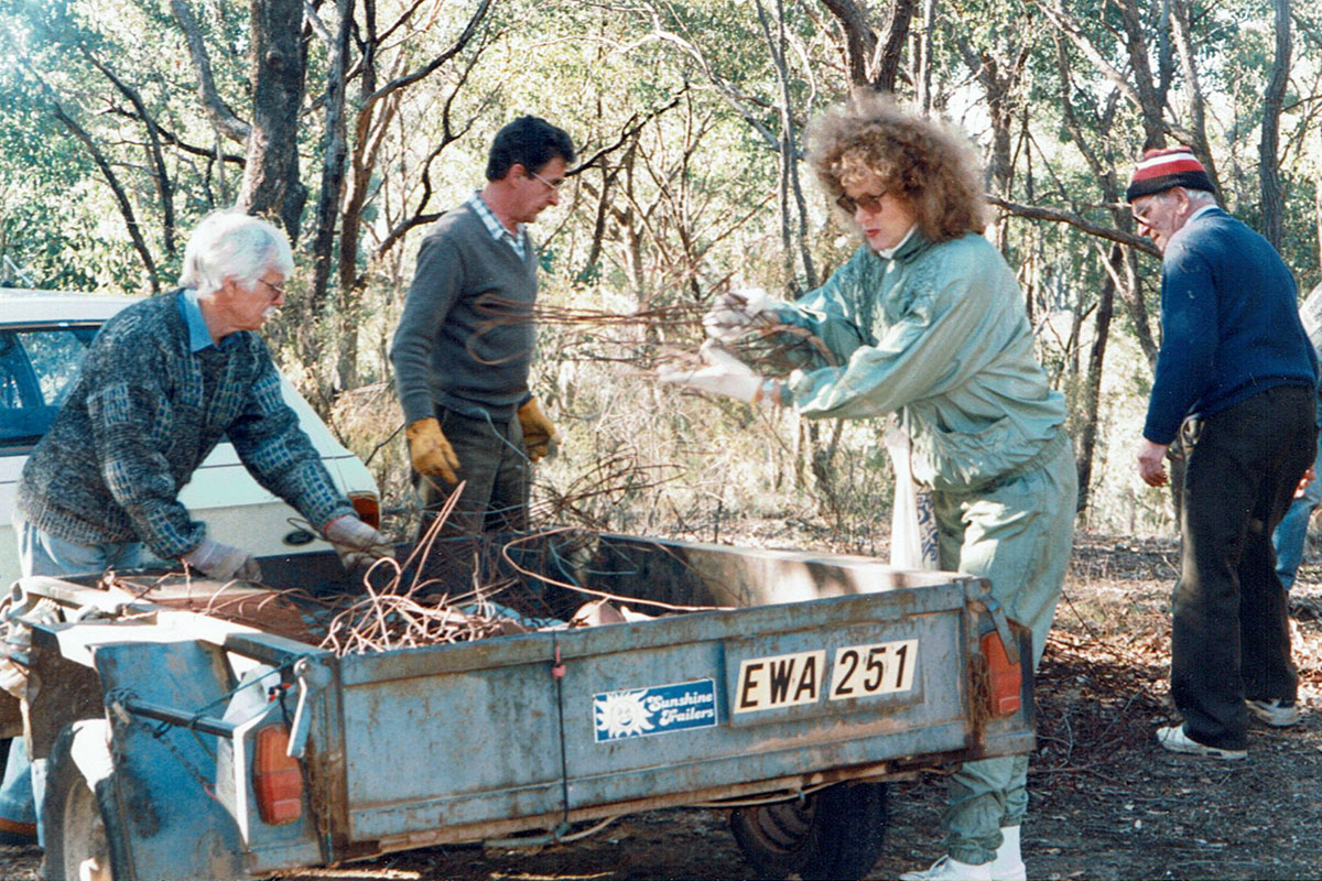 People at the first Barkers Creek Landcare working bee in 1996.